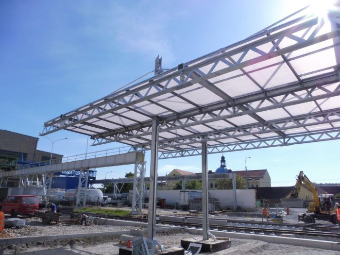 Complete delivery of steel structures for entrance gate